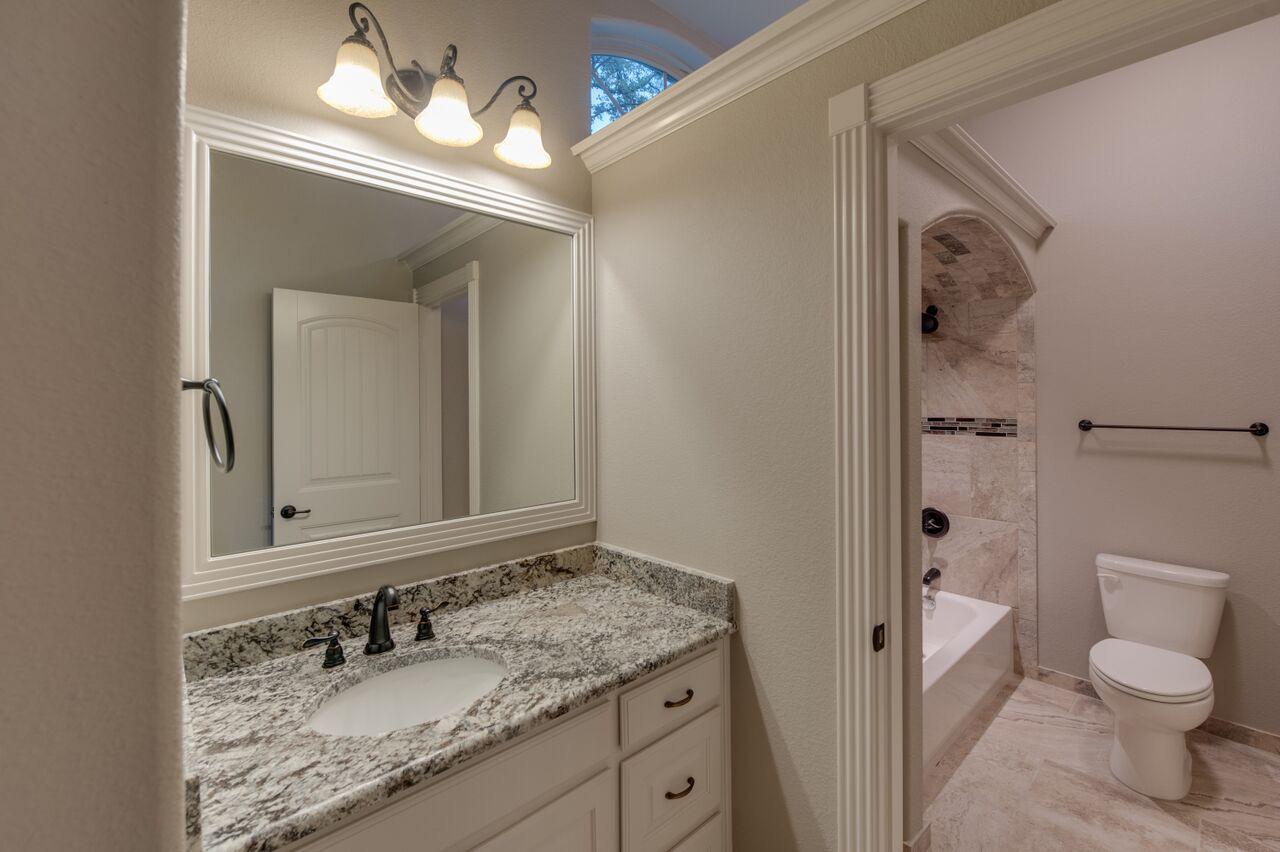 Olson custom homes bathrooms gallery - Jack n jill bathroom ...